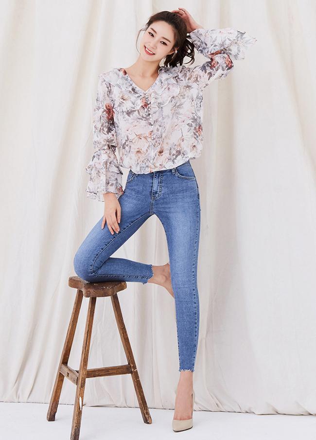 ac8f761a0e05b 韓国女性服のオンラインショッピングモール、韓国流行の[hanstyle] Hans style (3SPT041)裾カッティングスキニーデニム